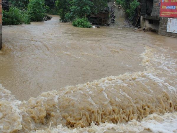 蚌埠发布汛期饮食安全提示 受灾地区重点监督